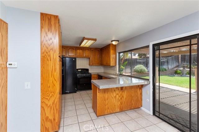 2870 Gibson Street, Riverside CA: http://media.crmls.org/medias/8041c40f-f434-4b05-b7b0-aae352bbaf46.jpg