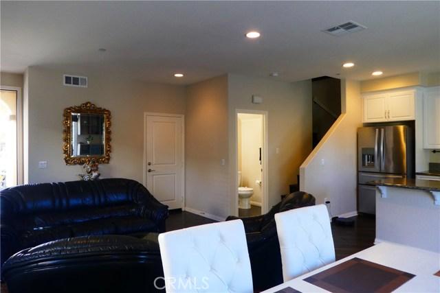 909 S Belterra Wy, Anaheim, CA 92804 Photo 5