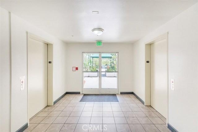 4760 Templeton Street, Los Angeles CA: http://media.crmls.org/medias/804f2bd5-e9b4-4179-b02f-1e0b03205d31.jpg
