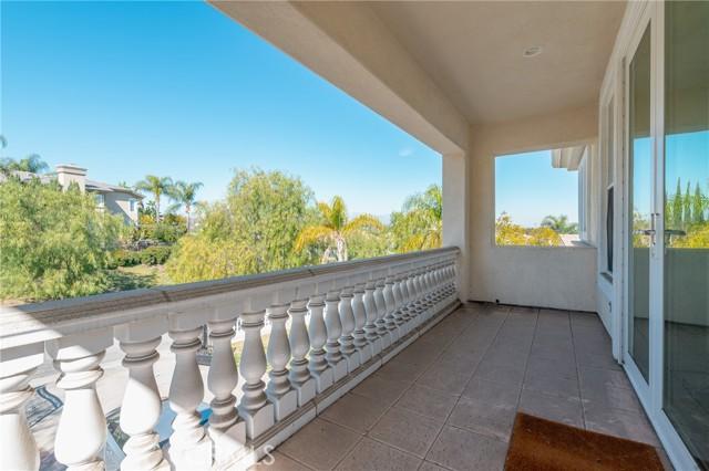 地址: 19900 Ridge Estate Court, Walnut, CA 91789