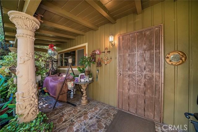 10871 Olinda Street, Sun Valley CA: http://media.crmls.org/medias/8062067f-3b4a-450c-aea6-035313db39e0.jpg
