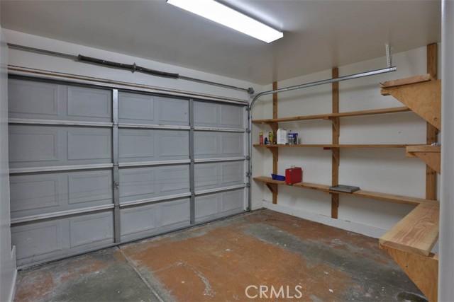 337 N Mariposa Street, Burbank CA: http://media.crmls.org/medias/80723e28-0a88-4c80-a5d8-49d15d9690ea.jpg