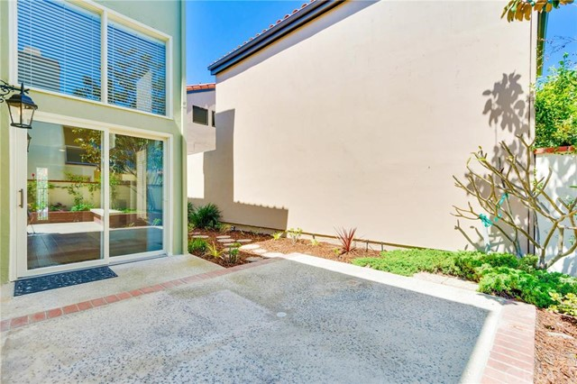 360 Calle Marseille, Long Beach, CA 90814 Photo 33