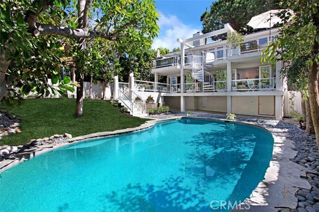 550 Thalia Street Laguna Beach, CA 92651 is listed for sale as MLS Listing LG16073841
