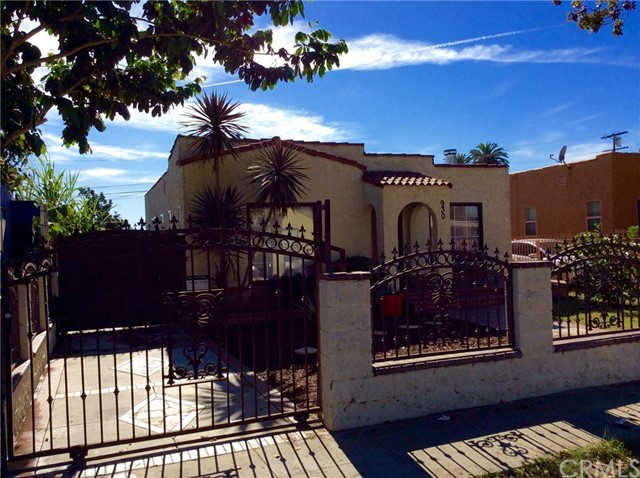 Single Family Home for Sale at 930 E 87th Place 930 E 87th Place Los Angeles, California 90002 United States