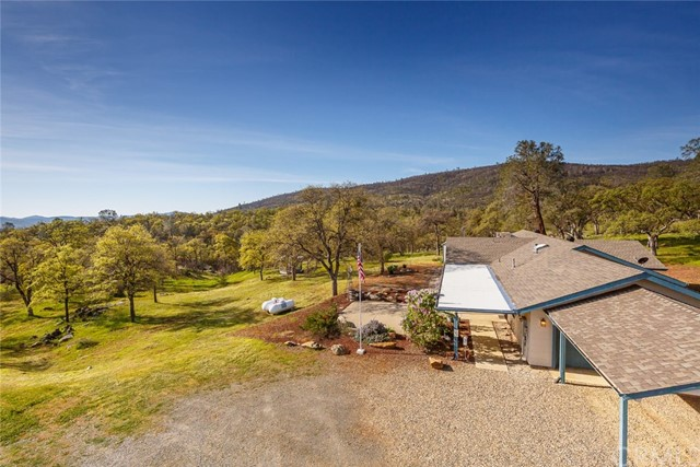 4753 Bear Valley Road, Mariposa CA: http://media.crmls.org/medias/80990dbe-f520-4e2a-b6be-8c6c6aa65832.jpg