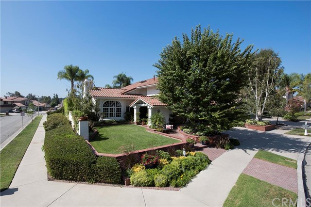 Single Family Home for Sale at 6706 E Waterton 6706 Waterton Orange, California 92867 United States