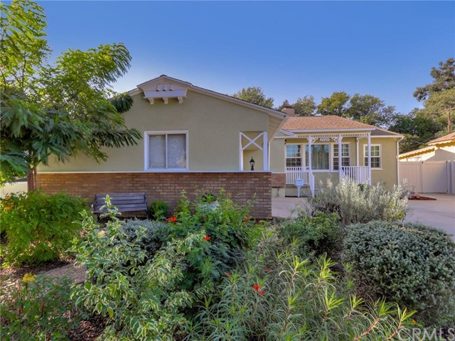 Detail Gallery Image 1 of 1 For 2120 Alona St, Santa Ana,  CA 92706 - 3 Beds | 1/1 Baths