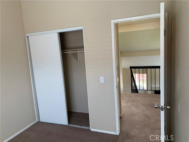 12533 Broadleaf Lane, Moreno Valley CA: http://media.crmls.org/medias/80c95be2-26e9-4fcf-b147-2d5878913a57.jpg