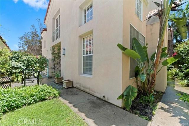 382 15th E Street, Costa Mesa CA: http://media.crmls.org/medias/80dd3fb3-25dd-4cb6-9dcb-4e8599405981.jpg