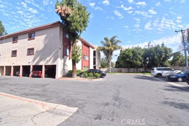 1025 Bishop Street, Santa Ana CA: http://media.crmls.org/medias/80ed89bf-ef6d-44ea-9568-da17d63f648b.jpg