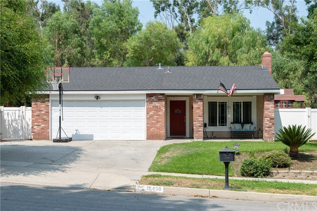 15450 Rolling Ridge Drive, Chino Hills CA: http://media.crmls.org/medias/80f93851-67be-4ae1-9874-c0c08bc9b6d9.jpg