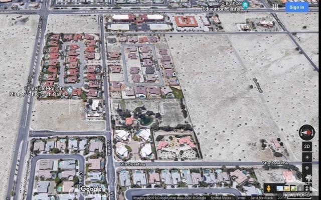 35335 Via Josefina, Rancho Mirage CA: http://media.crmls.org/medias/81013a55-163e-4308-a667-5b9ef2de5a34.jpg
