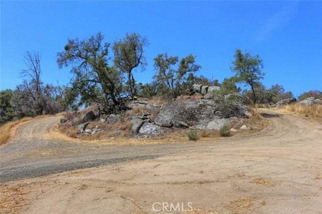 2374 Green Hills Road, Mariposa CA: http://media.crmls.org/medias/810c1ca3-99ef-4f48-b343-83835feff402.jpg
