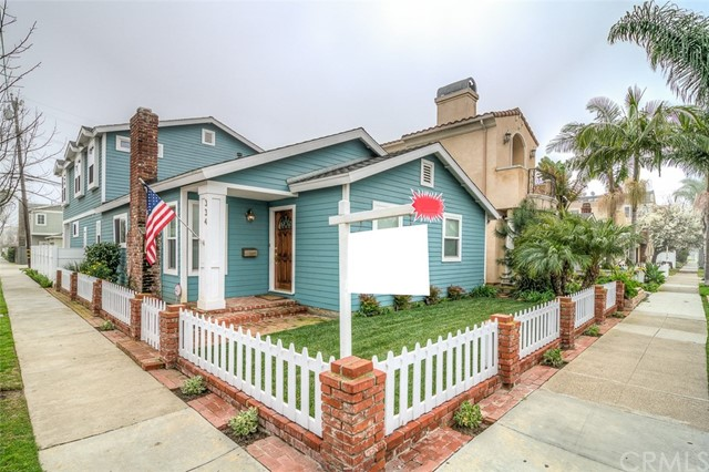 Single Family Home for Sale at 334 12th Street Seal Beach, California 90740 United States