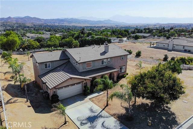 17197 Birch Hill Road, Riverside CA: http://media.crmls.org/medias/811afb5a-be85-4164-b6ed-9964e21f13fd.jpg