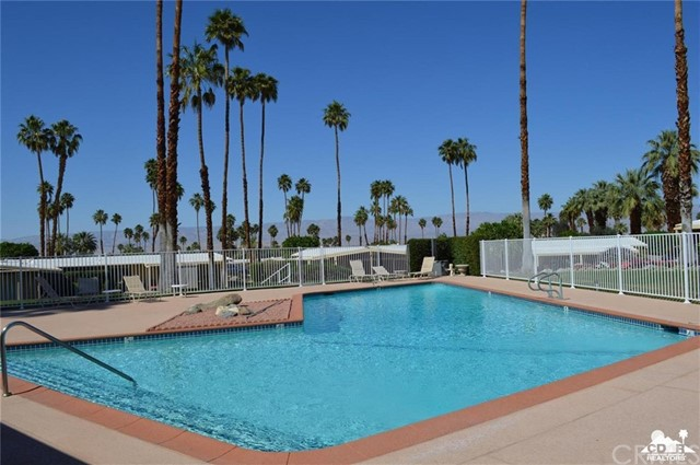 46175 Highway 74, Palm Desert CA: http://media.crmls.org/medias/8120362e-f1eb-4347-9fcd-5c49b85e3590.jpg
