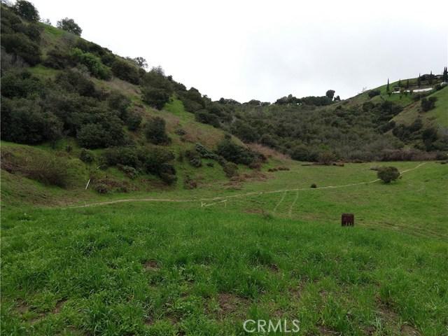 3986 S Cloverdale, Los Angeles CA: http://media.crmls.org/medias/812455fe-b902-448b-ae70-d1da0e47c75f.jpg