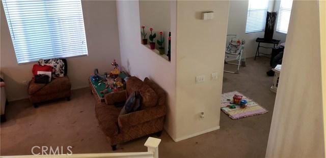 13223 La Crescenta Avenue, Oak Hills CA: http://media.crmls.org/medias/812c4b96-2983-44ee-9c7d-a13c62b63b7f.jpg