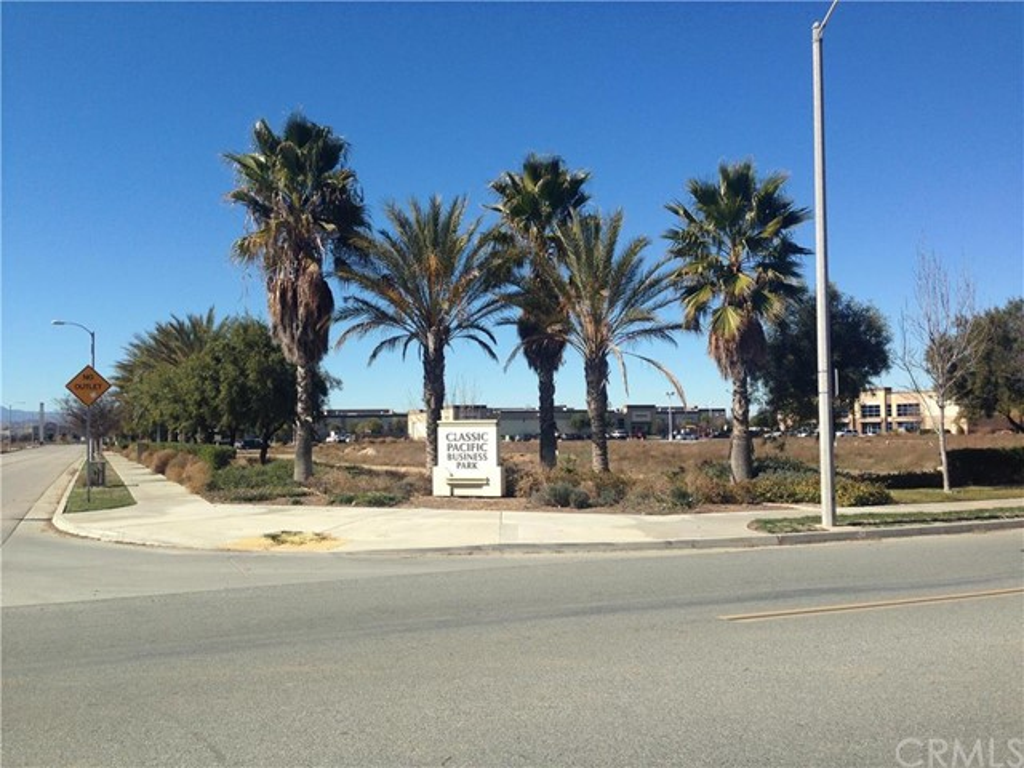 14 Illinois Avenue, Perris, CA 92570