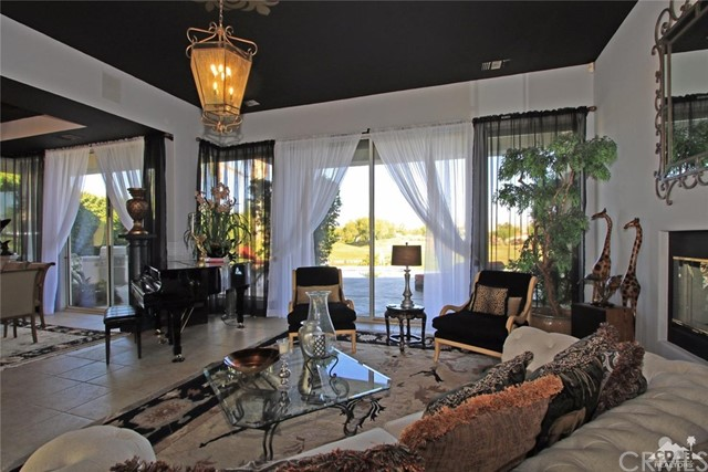 104 Loch Lomond Road, Rancho Mirage CA: http://media.crmls.org/medias/81321ad2-7858-45f2-81d2-23434f6461b8.jpg