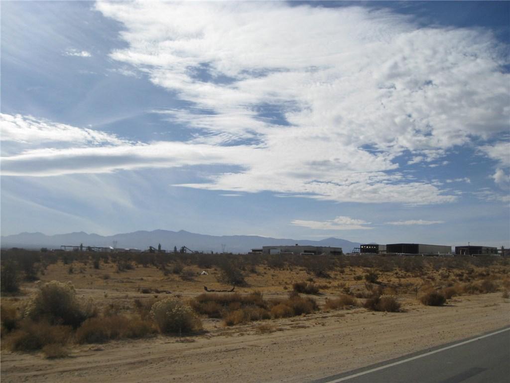 11111 Rancho, Adelanto CA: http://media.crmls.org/medias/813718d5-2b41-409e-b96c-2864c11d81bc.jpg