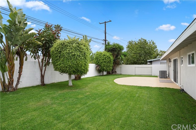 1604 White Oak Street Costa Mesa, CA 92626 - MLS #: IG18122018