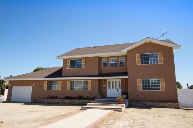 Single Family Home for Sale at 1010 Elliott Place S Santa Ana, California 92704 United States