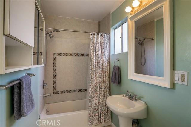 3706 3rd Avenue, Glendale CA: http://media.crmls.org/medias/817698ac-fdbe-4204-8bf7-e98f80eca02a.jpg