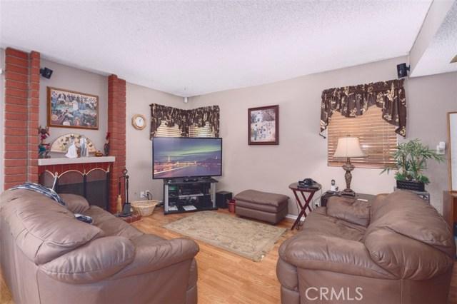 26 N Slope Lane, Phillips Ranch CA: http://media.crmls.org/medias/8178d0cf-6116-47be-8470-231ec4d0171e.jpg