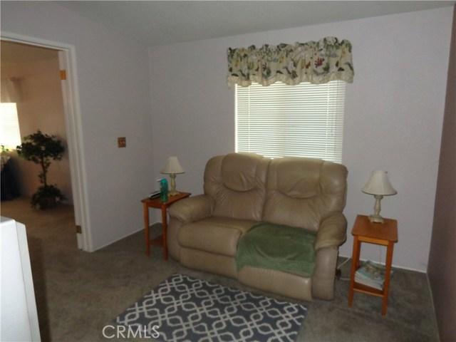 1251 E Lugonia Avenue, Redlands CA: http://media.crmls.org/medias/819843e4-b0a8-405f-940f-5668cac4aa56.jpg