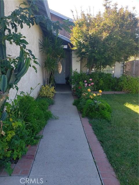 13815 Pheasant Knoll Lane, Moreno Valley CA: http://media.crmls.org/medias/81a0cbca-675b-424b-9f01-bd1dd12445c1.jpg