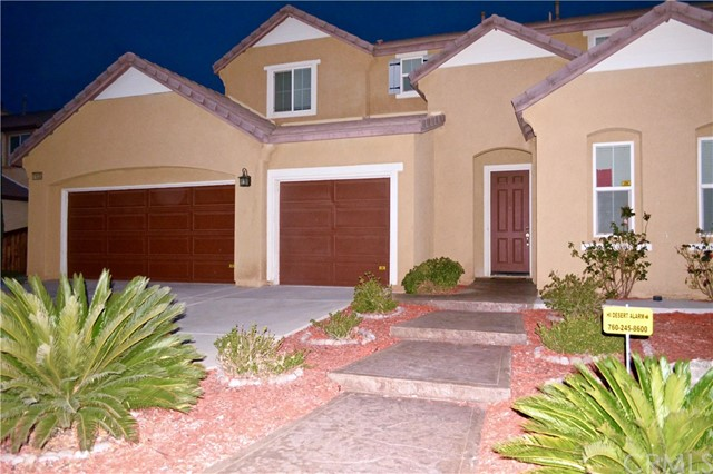 11035 Bay Shore Street, Victorville CA: http://media.crmls.org/medias/81ab8339-3a2f-4894-84d7-2873ad82626a.jpg
