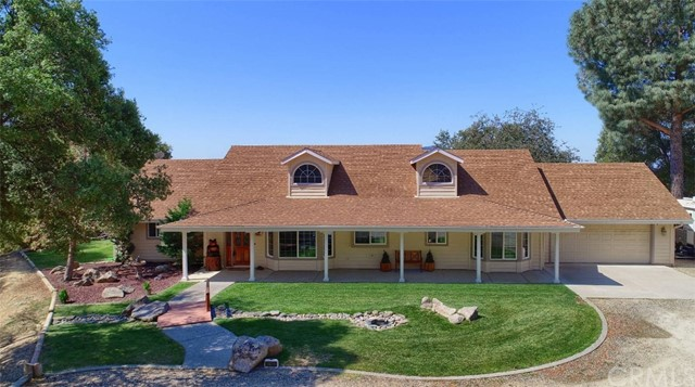 Detail Gallery Image 1 of 61 For 41100 Jean Rd, Oakhurst, CA 93644 - 3 Beds | 2 Baths