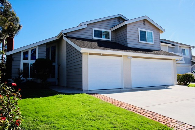 Huntington Beach Homes for Sale -  Golf Course,  5422  Meadow Circle