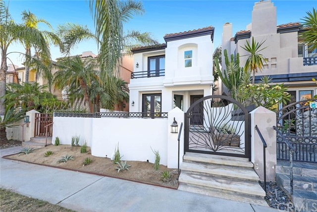 Detail Gallery Image 1 of 25 For 611 21st St, Huntington Beach, CA 92648 - 3 Beds   3/1 Baths