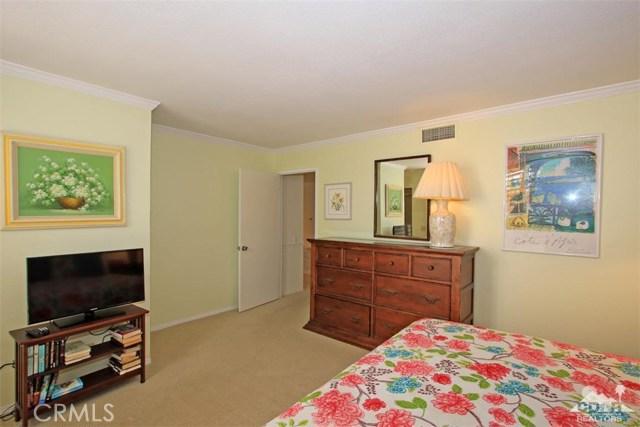 45878 Algonquin Circle, Indian Wells CA: http://media.crmls.org/medias/81e1f9a6-c1f5-4f97-ad37-023699e29970.jpg
