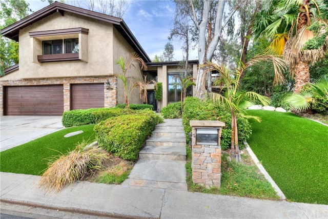 Single Family Home for Sale at 25141 Windwood Lake Forest, California 92630 United States