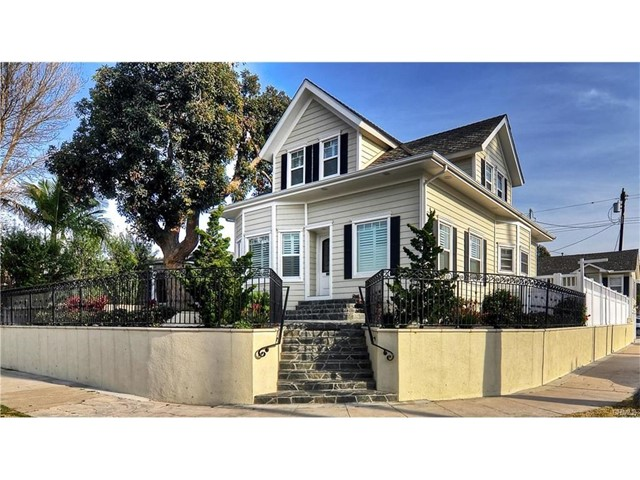 702 11th Street Huntington Beach, CA 92648 - MLS #: OC17195289