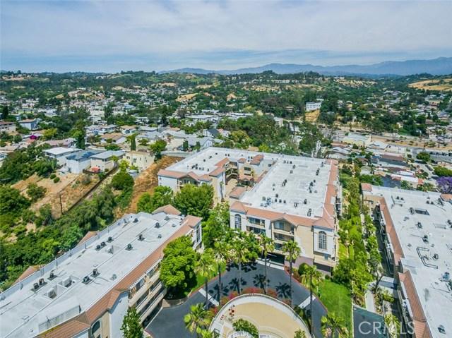 4760 Templeton Street, Los Angeles CA: http://media.crmls.org/medias/81e975da-364f-469d-b8b4-c3f88b91dde5.jpg