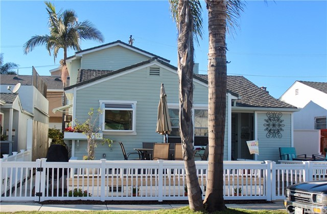 311 14th Street Seal Beach, CA 90740 - MLS #: PW18055876