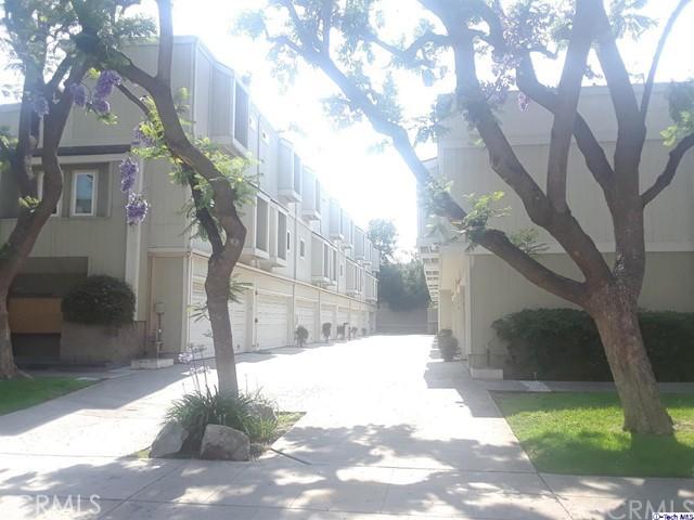 137 N Oak Knoll Av, Pasadena, CA 91101 Photo