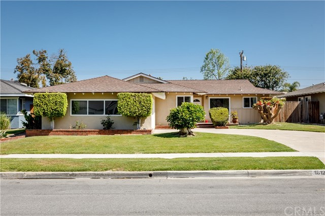 Photo of 18121 Romelle Avenue, Santa Ana, CA 92705