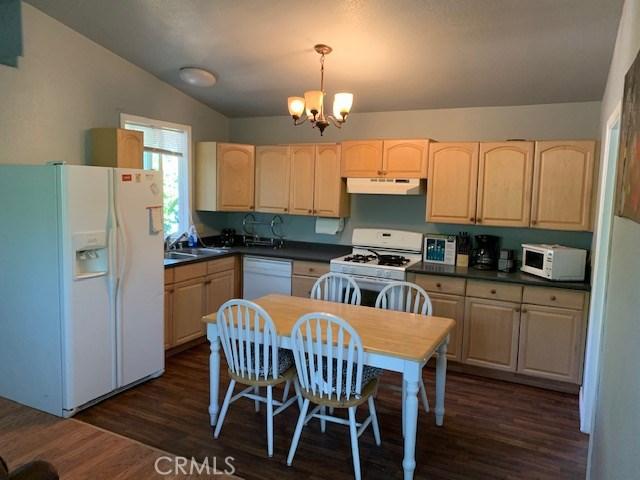5524 Single Springs, Kelseyville CA: http://media.crmls.org/medias/820e0fb7-b384-43ee-ba46-98d5c008f344.jpg