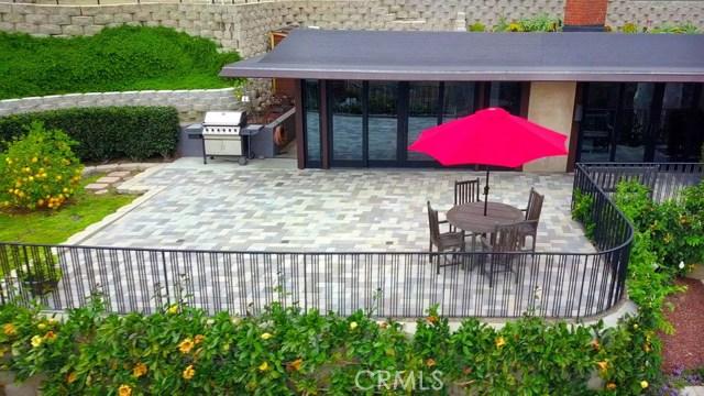 1098 Wykoff Way, Laguna Beach CA: http://media.crmls.org/medias/820fb1a1-1275-45d8-892a-537ede3658d6.jpg