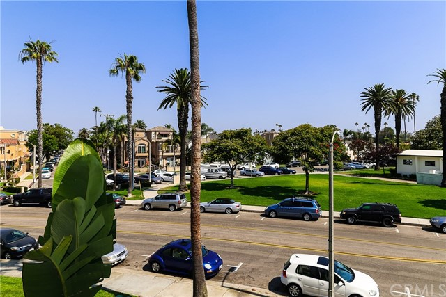 415 Townsquare Lane # 211 Huntington Beach, CA 92648 - MLS #: OC17162168