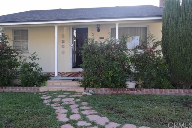 Single Family Home for Sale at 2116 South Sycamore St 2116 Sycamore Santa Ana, California 92707 United States