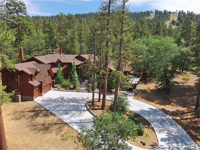 Single Family Home for Sale at 42143 Switzerland Drive Big Bear, California 92315 United States