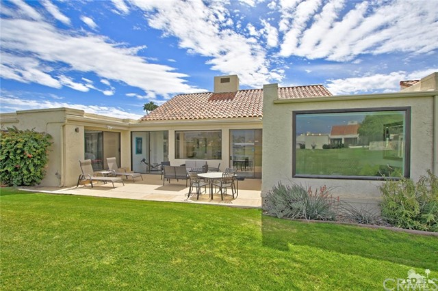 34868 Mission Hills Drive, Rancho Mirage CA: http://media.crmls.org/medias/8223dac3-b611-4057-8019-4e6fa5937741.jpg