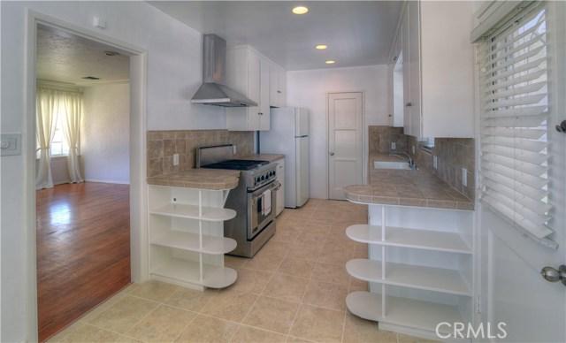 3501 Olive Avenue, Long Beach CA: http://media.crmls.org/medias/822b4b7e-6ea3-44c5-a0fe-d99d41c9fc5a.jpg